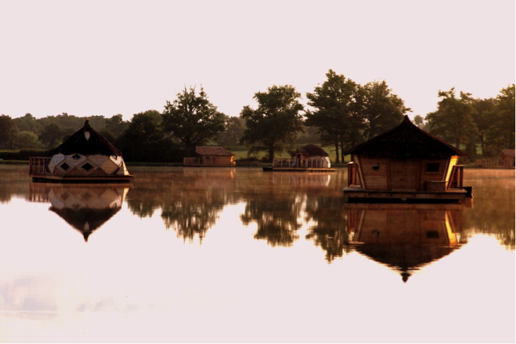 hebergements flottants village flottant