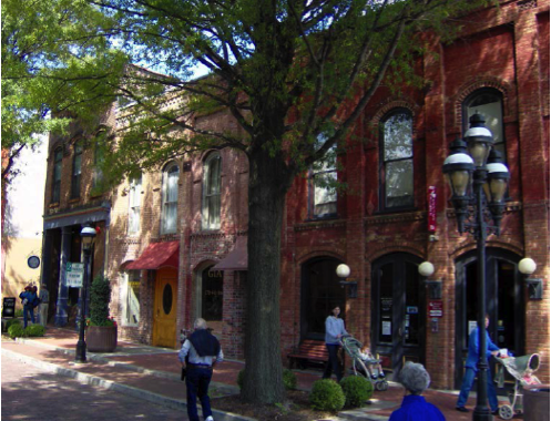 Revitalisation petite ville arbres batiments historique