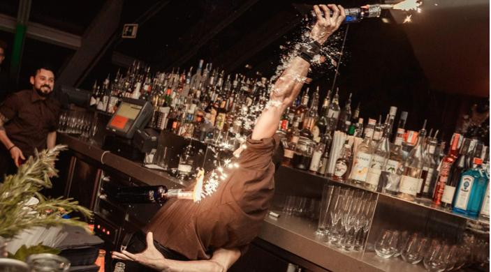 Barman mixologiste Eclipse hotel W Barcelona